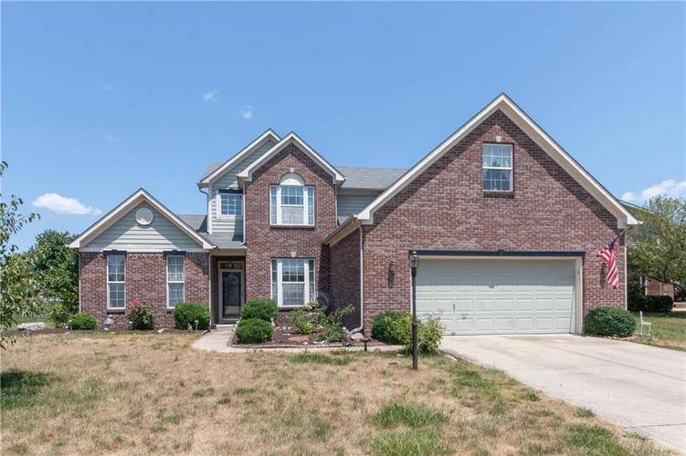 1752 Woodstock Drive Brownsburg, IN 46112 | MLS 21659826 | photo 1