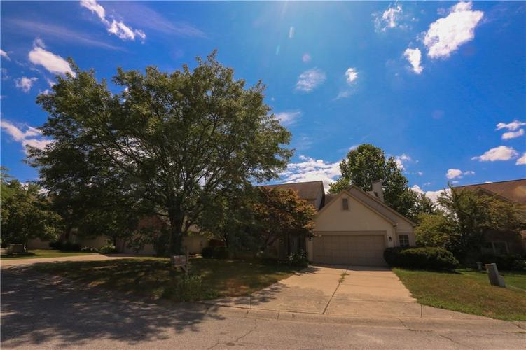 8517 McNutt Circle Indianapolis, IN 46256   MLS 21659827   photo 1