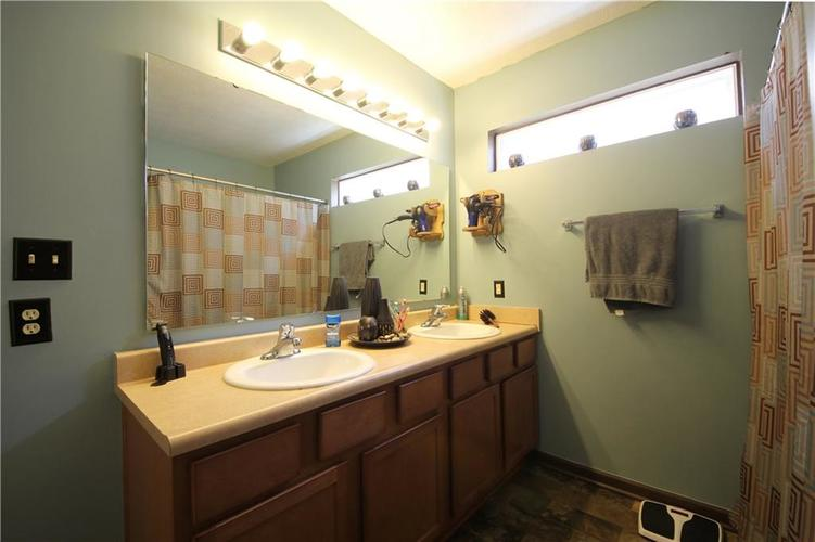 7705 Gold Rush Drive Camby, IN 46113 | MLS 21659850 | photo 3