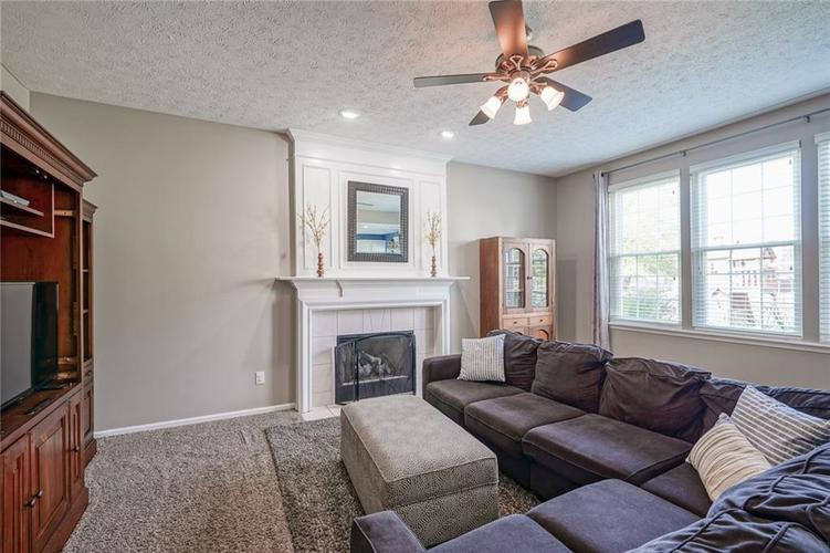 12123 Donnington Lane Fishers, IN 46037 | MLS 21659875 | photo 11