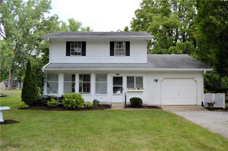 3114 Thorneycroft Drive Indianapolis IN 46268 | MLS 21660012 | photo 1