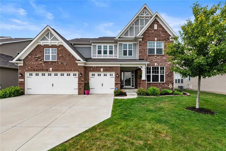 6165 EAGLE LAKE Drive Zionsville, IN 46077 | MLS 21660027 | photo 1