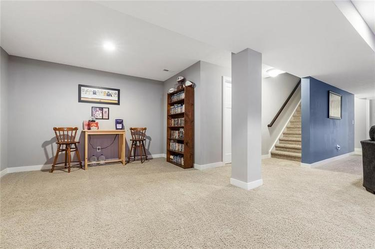 6165 EAGLE LAKE Drive Zionsville, IN 46077 | MLS 21660027 | photo 30