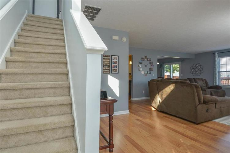 1200 Tomahawk Place Martinsville, IN 46151 | MLS 21660038 | photo 4