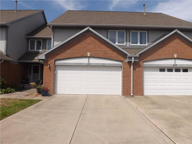 227 GOLF Court Greenwood, IN 46143 | MLS 21660063 | photo 1