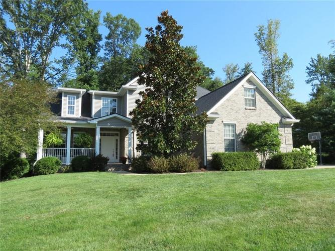 2308 Woodland Farms Drive Columbus, IN 47201 | MLS 21660071 | photo 1