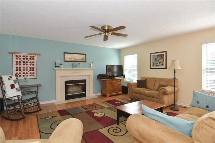 1922 Bridgewater Drive Avon, IN 46123 | MLS 21660091 | photo 5
