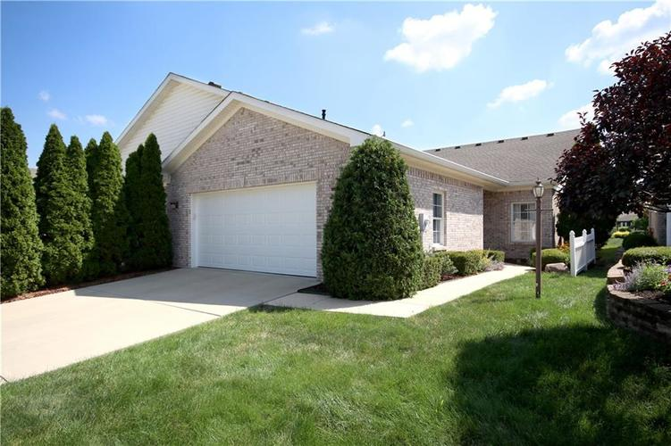 739  Shepherds Way Greenwood, IN 46143 | MLS 21660236