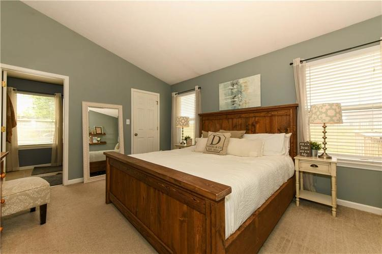 12353 Carriage Stone Drive Fishers, IN 46037 | MLS 21660266 | photo 12