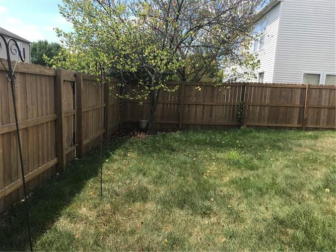 10143 Holly Berry Circle Fishers, IN 46038   MLS 21660295   photo 10