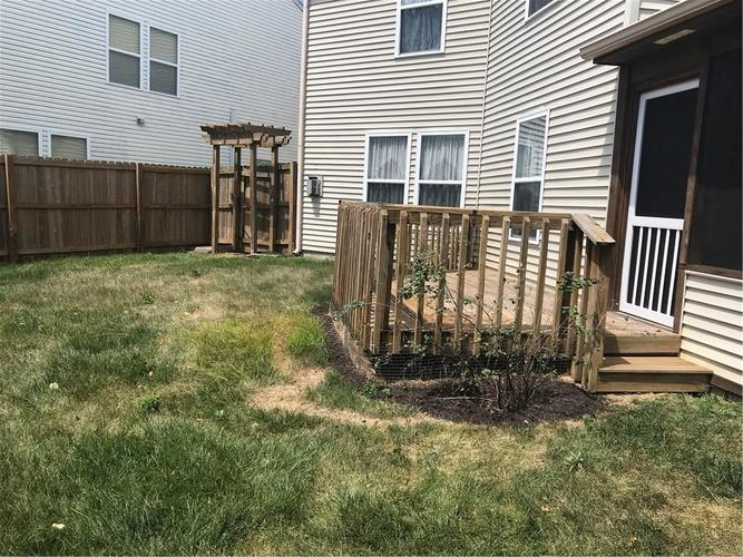 10143 Holly Berry Circle Fishers, IN 46038   MLS 21660295   photo 11