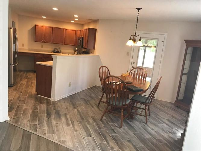 10143 Holly Berry Circle Fishers, IN 46038   MLS 21660295   photo 5