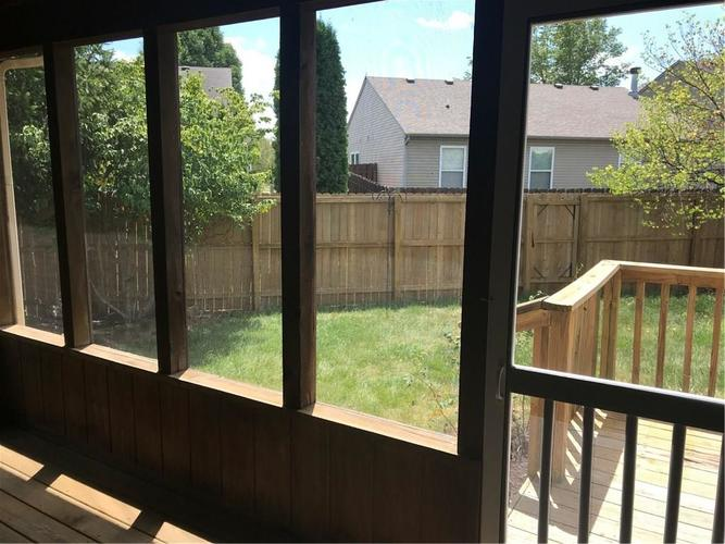 10143 Holly Berry Circle Fishers, IN 46038   MLS 21660295   photo 9