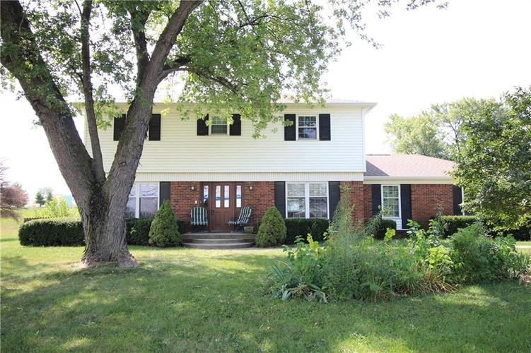 1111 W HANNA Avenue Indianapolis, IN 46217 | MLS 21660470 | photo 1