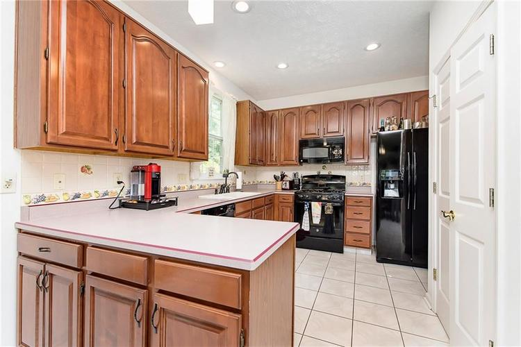 5657 Rundle Court Indianapolis, IN 46220 | MLS 21660474 | photo 14