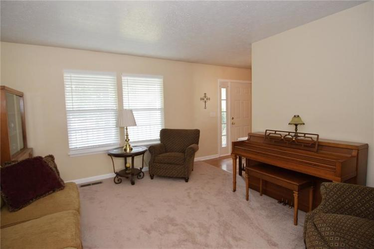 5116 Millwright Court Indianapolis, IN 46254 | MLS 21660496 | photo 13