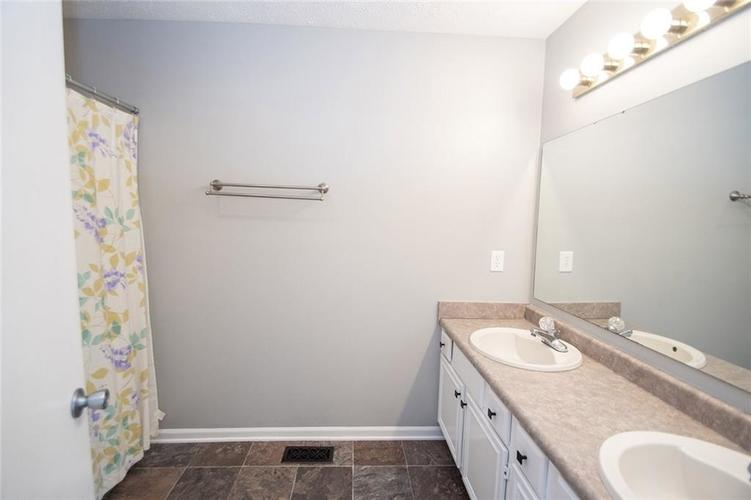 7026 SEA OATS Lane Indianapolis, IN 46250 | MLS 21660554 | photo 24