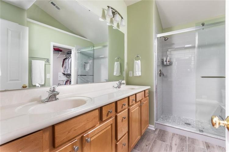 6548 Briarwood Place Zionsville, IN 46077 | MLS 21660629 | photo 17