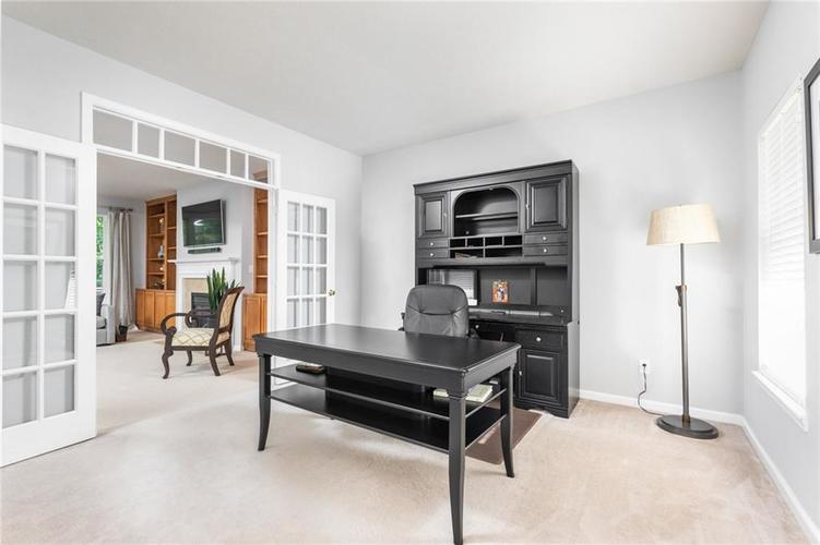 6548 Briarwood Place Zionsville, IN 46077 | MLS 21660629 | photo 5