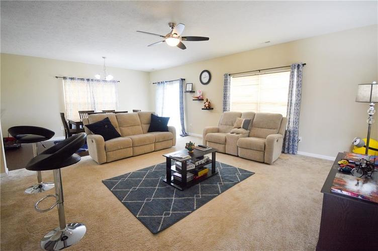 2596 Sungold Trail Greenwood, IN 46143 | MLS 21660724 | photo 6