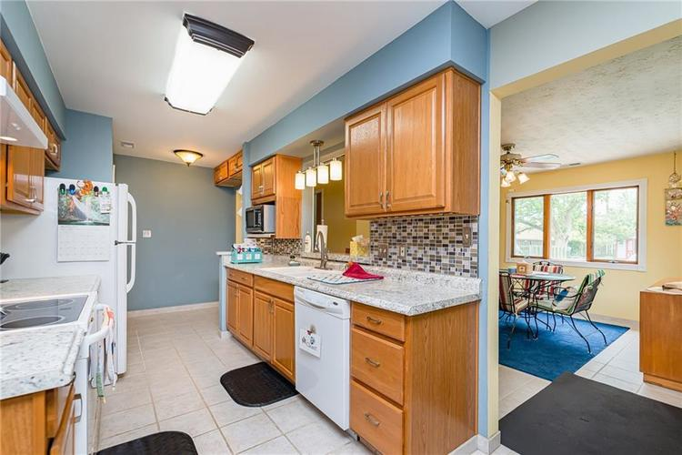 1114 N GIBSON Avenue Indianapolis, IN 46219 | MLS 21660756 | photo 10
