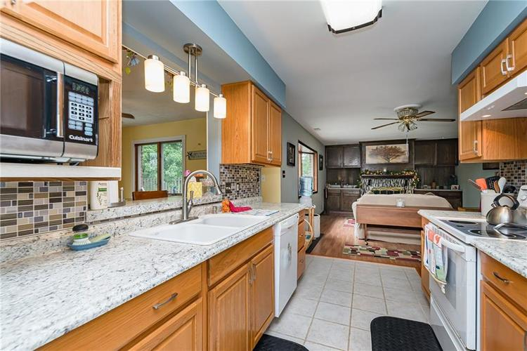 1114 N GIBSON Avenue Indianapolis, IN 46219 | MLS 21660756 | photo 11