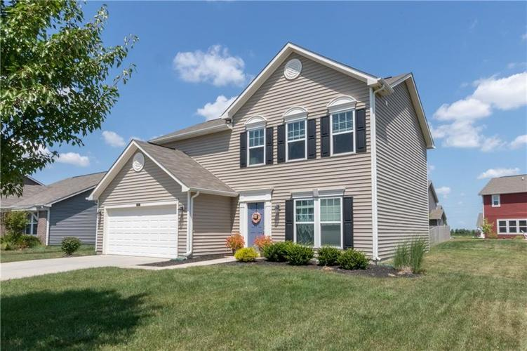 5564 W Woodhaven Drive McCordsville, IN 46055 | MLS 21660804