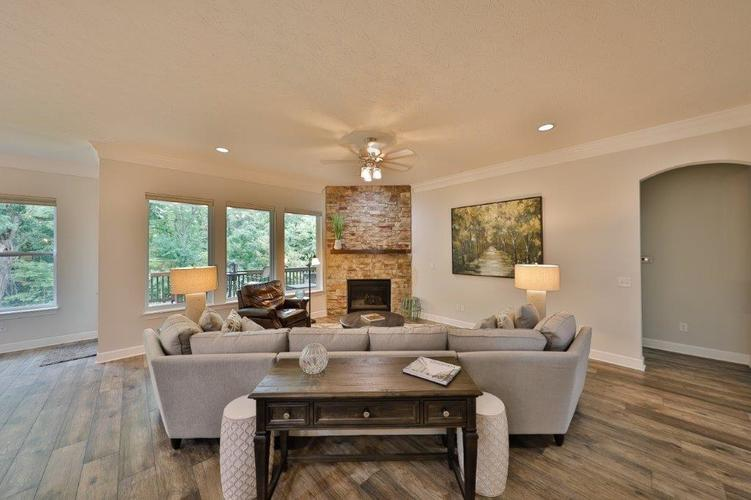 16326 Hunting Meadow Drive Fishers, IN 46040 | MLS 21660823 | photo 10