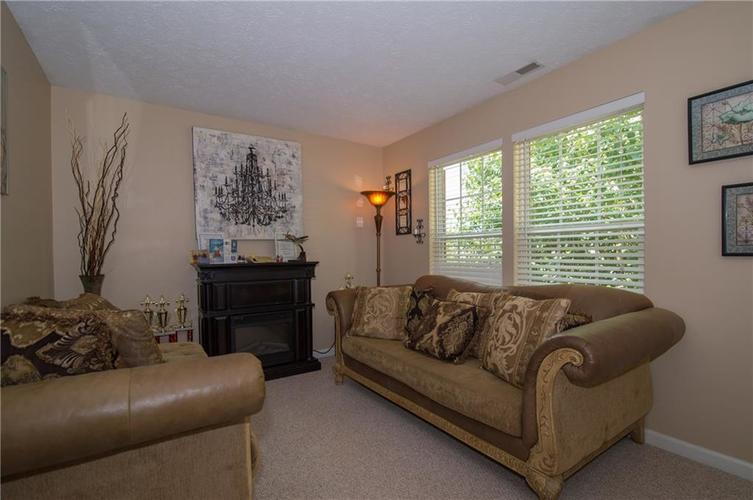 3155 Cluster Pine Drive Indianapolis, IN 46235 | MLS 21660879 | photo 14