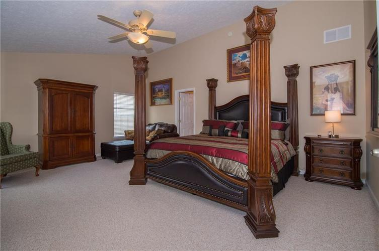 3155 Cluster Pine Drive Indianapolis, IN 46235 | MLS 21660879 | photo 15