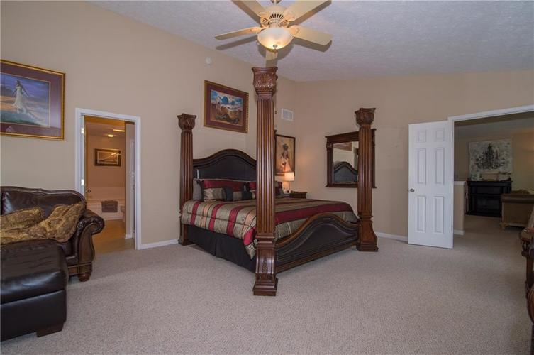 3155 Cluster Pine Drive Indianapolis, IN 46235 | MLS 21660879 | photo 16