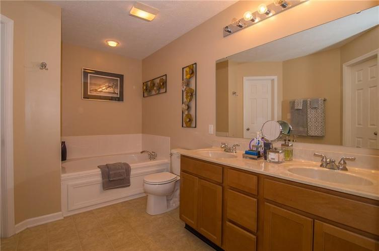 3155 Cluster Pine Drive Indianapolis, IN 46235 | MLS 21660879 | photo 17