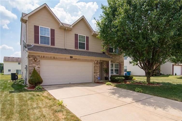 3155 Cluster Pine Drive Indianapolis, IN 46235 | MLS 21660879 | photo 2