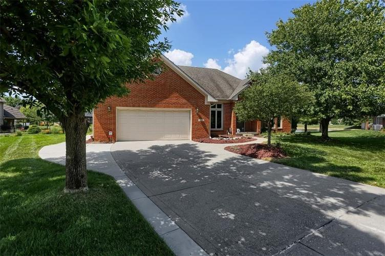 361 Country Woods Drive Indianapolis IN 46217 | MLS 21660908 | photo 1