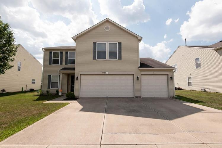 5710 Skipping Stone Drive Indianapolis, IN 46237 | MLS 21660917 | photo 1