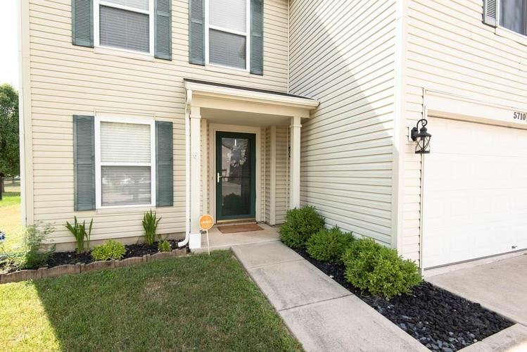 5710 Skipping Stone Drive Indianapolis, IN 46237 | MLS 21660917 | photo 3