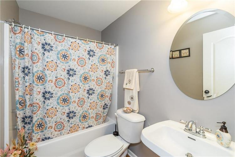 7640 Cross Creek Avon, IN 46123 | MLS 21660926 | photo 23