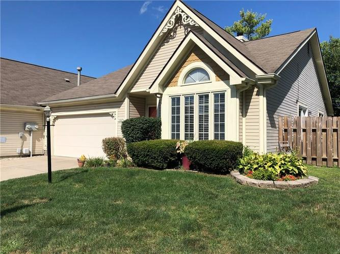 9225 Aintree Drive Indianapolis, IN 46250   MLS 21660964   photo 2