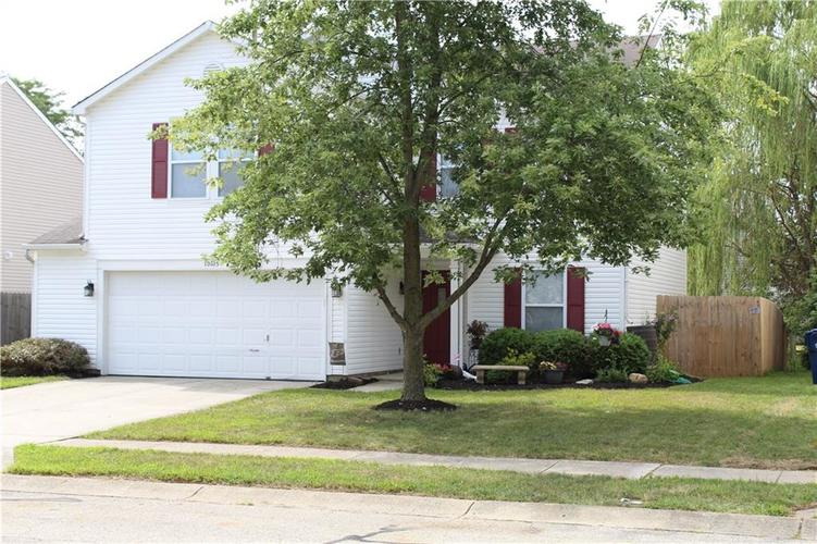 10105 BOYSENBERRY Drive Fishers, IN 46038 | MLS 21660975 | photo 2
