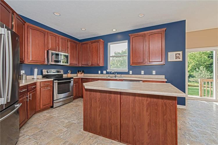 6153 Saw Mill Drive Noblesville, IN 46062 | MLS 21660996 | photo 14