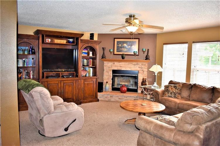 8607 Belle Union Drive Camby, IN 46113 | MLS 21661153 | photo 3