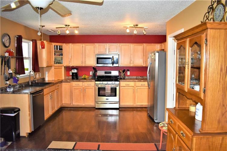 8607 Belle Union Drive Camby, IN 46113 | MLS 21661153 | photo 7