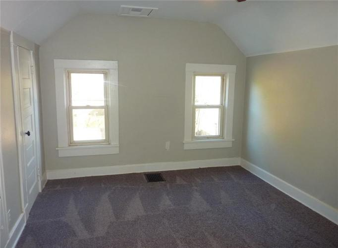 102 W SOUTHERN Avenue Indianapolis, IN 46225   MLS 21661169   photo 8