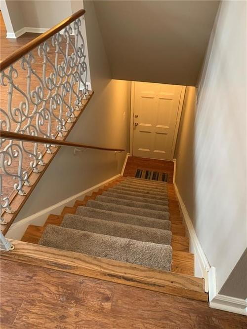 1160 Canterbury Court #B Indianapolis, IN 46260 | MLS 21661173 | photo 17