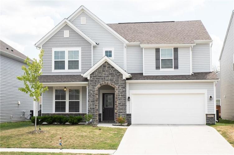 5783 Waterstone Way Whitestown, IN 46075 | MLS 21661175 | photo 1