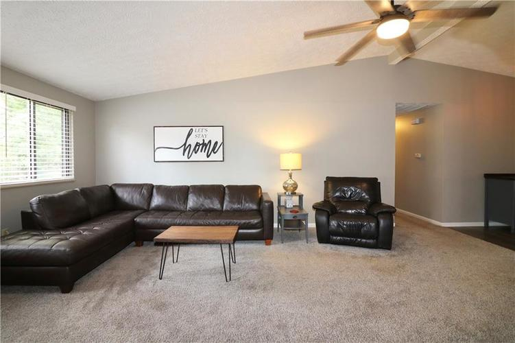 7505 BLUE CREEK S Drive Indianapolis, IN 46256 | MLS 21661217 | photo 10