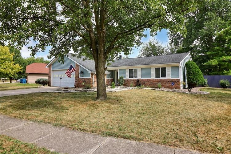 7505 BLUE CREEK S Drive Indianapolis, IN 46256 | MLS 21661217 | photo 6