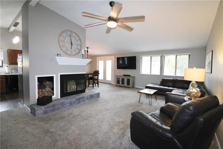 7505 BLUE CREEK S Drive Indianapolis, IN 46256 | MLS 21661217 | photo 9