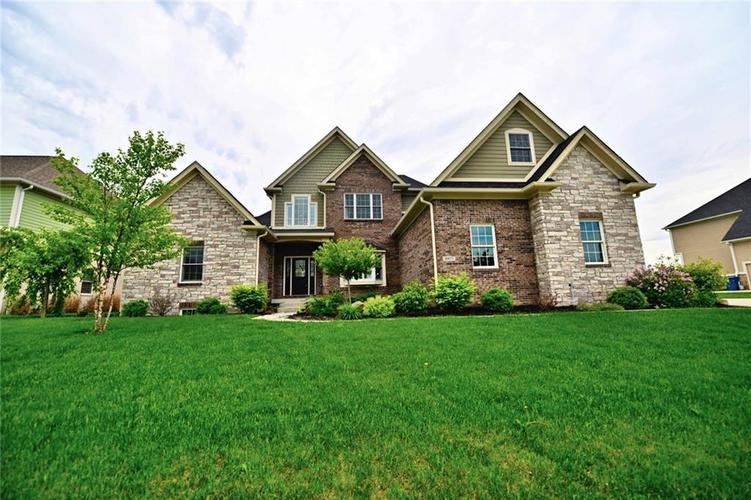 9977 Backstretch Row Fishers, IN 46040 | MLS 21661256 | photo 1