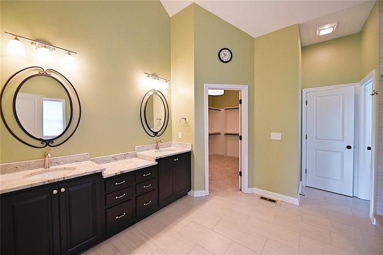 9977 Backstretch Row Fishers, IN 46040 | MLS 21661256 | photo 20